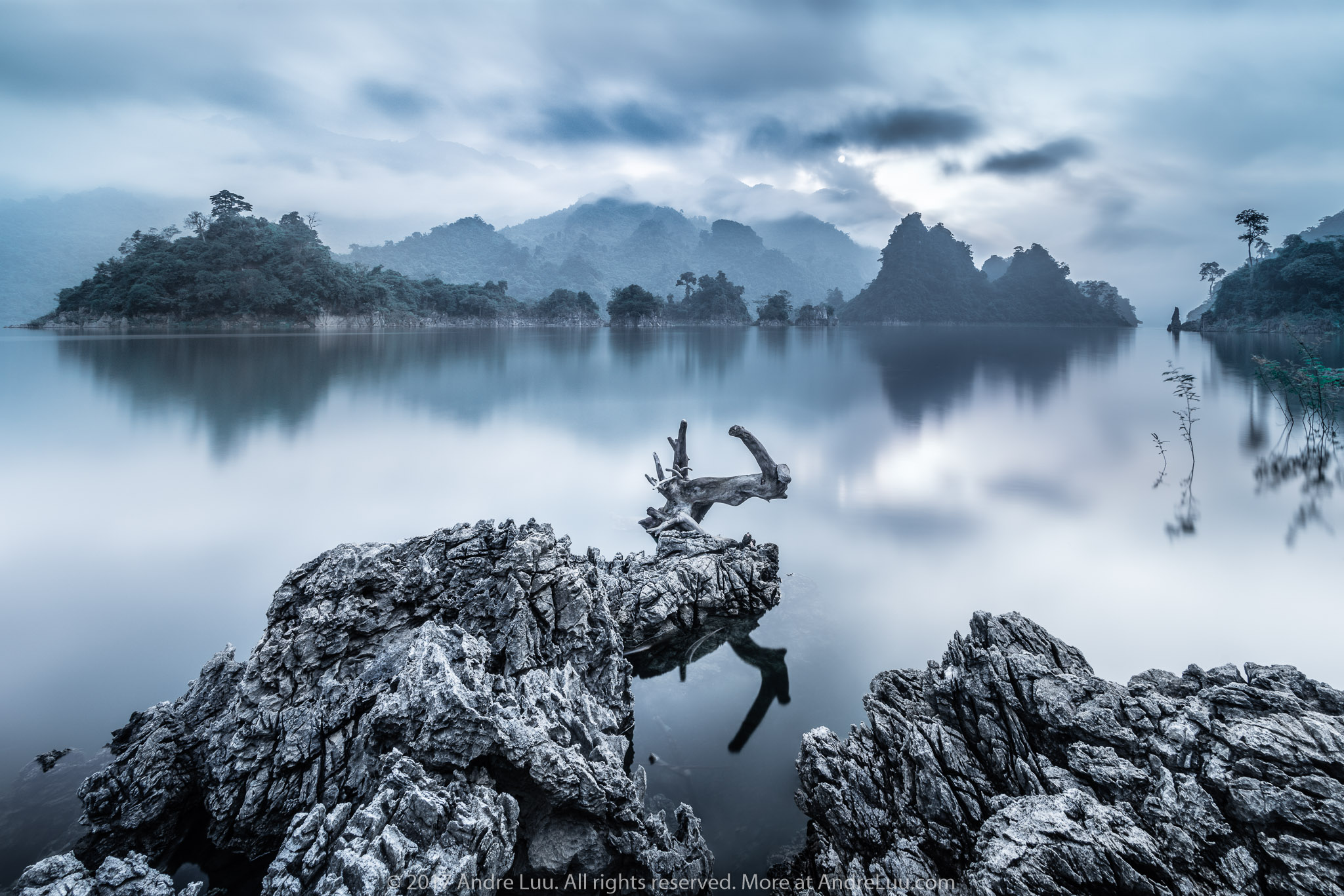 VẦN VŨ NA HANG (Viking Clouds) 61s f/11 ISO 50 WB 3500, Sony a7rII + Voigtlander 12v2 (Mod AndreLuu) +Center Filter + Gnd 3rev  +  ND 10. Na Hang, Tuyên Quang @ 7:17am.