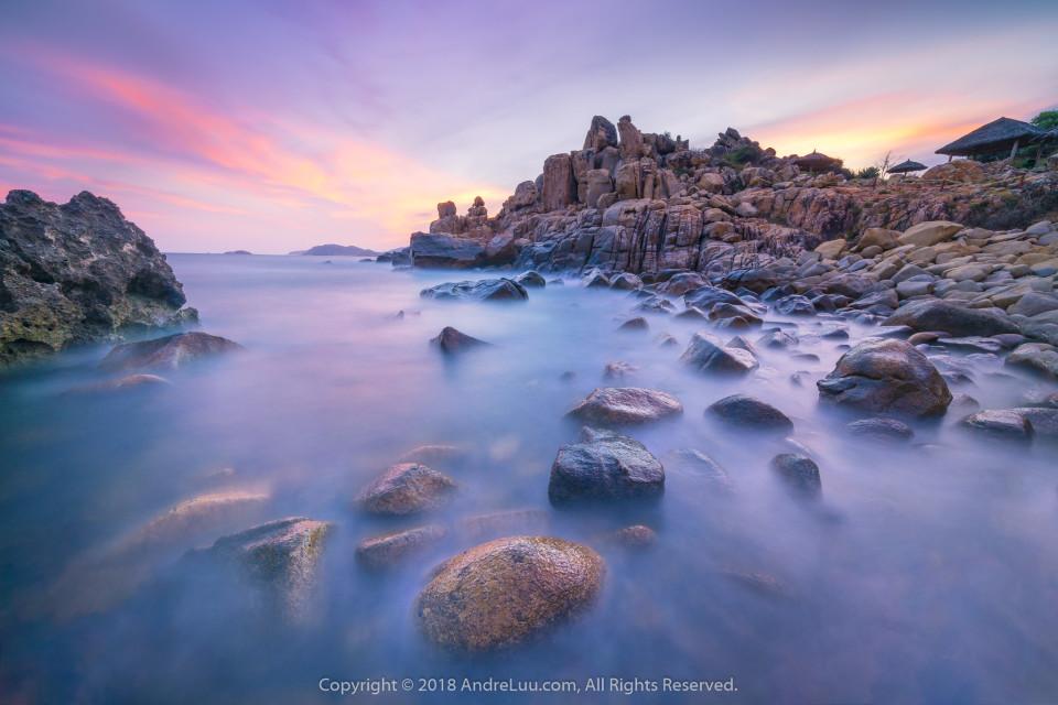 ĐIỂM NHẤN HOÀNG HÔN (Accent Point)  121s f11 ISO 100 WB 7150K. Sony a7r3 + Lens Sony FE 12-24 f4 G @13mm. Hang Rái, Ninh Thuận.